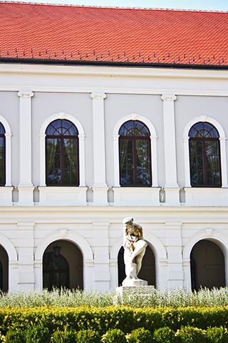 Escultura palacio neoclásico balneario Tihany lago Balatón Hungría