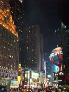 Time Square rascacielos neones luces publicidad Nueva York
