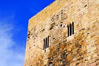 Fachada ventanas piedra Torre Pretorio Tarragona