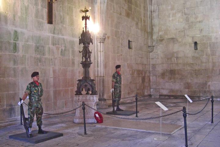 Soldados tumba soldado desconocido Monasterio de Batalha