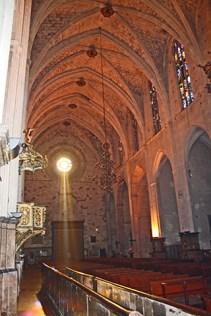 Interior luz Iglesia San Francesc Palma de Mallorca