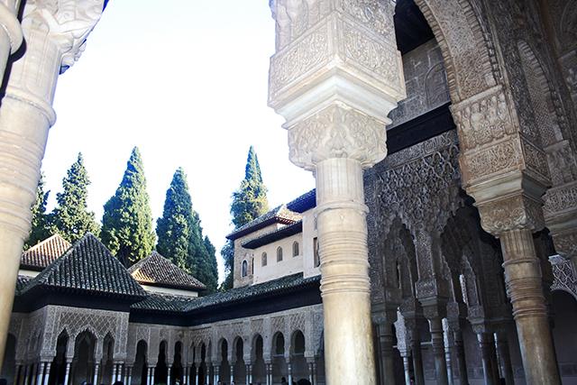 Patio Comares Alhambra Granada