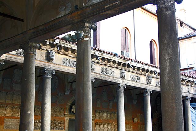 Claustro interior columnas Universidad Padua