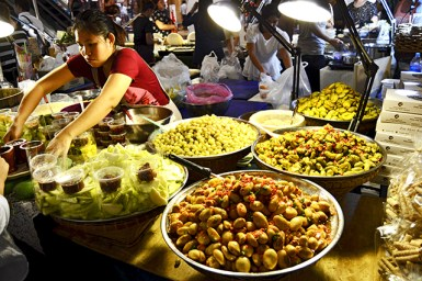 Mercado cubierto Silom Complex Bangkok