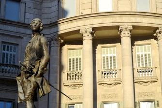 Escultura neoclásica Caja Ahorros Reus