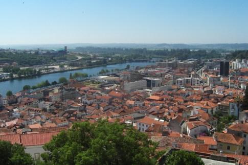 Vistas de la ciudad de Coimbra y el río Montego Portugal