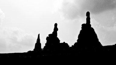 Estatuas buda piedra horizonte blanco y negro Ayutthaya Tailandia