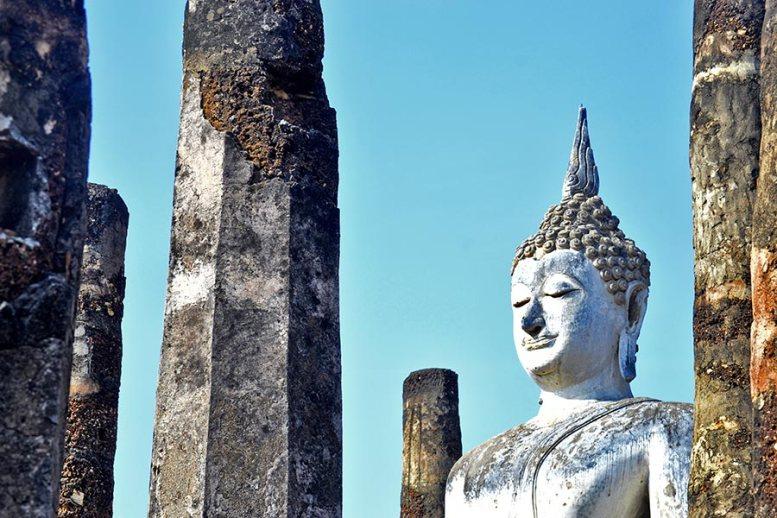 Buda Wat Traphang Ngoen Parque Histórico de Sukhothai