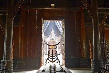 Interior Baandam Museum madera teca