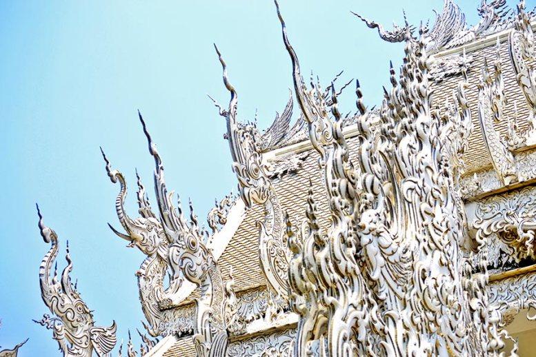 Agujas y formas decorativas Templo Blanco Chiang Rai