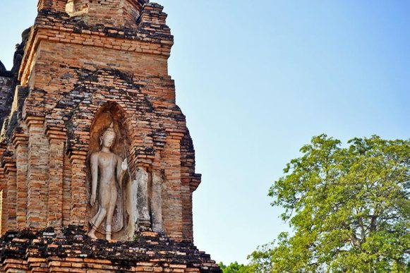 Buda chedi flor de loto Sukhothai