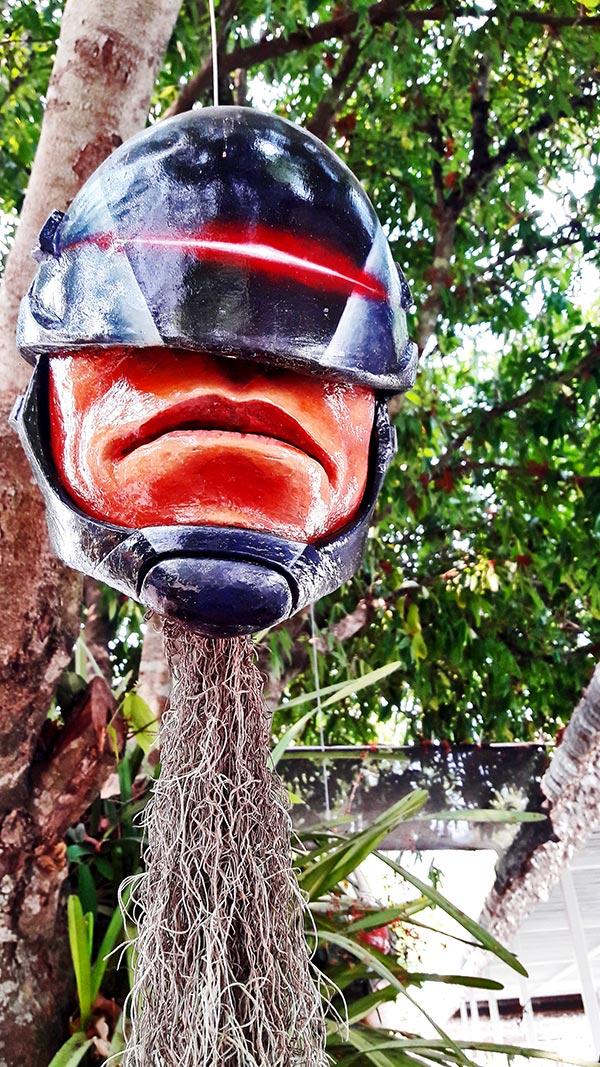 Robocop cabeza Templo Blanco Chiang Rai