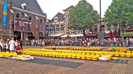 Plaza del Mercado del Queso de Alkmaar pesaje