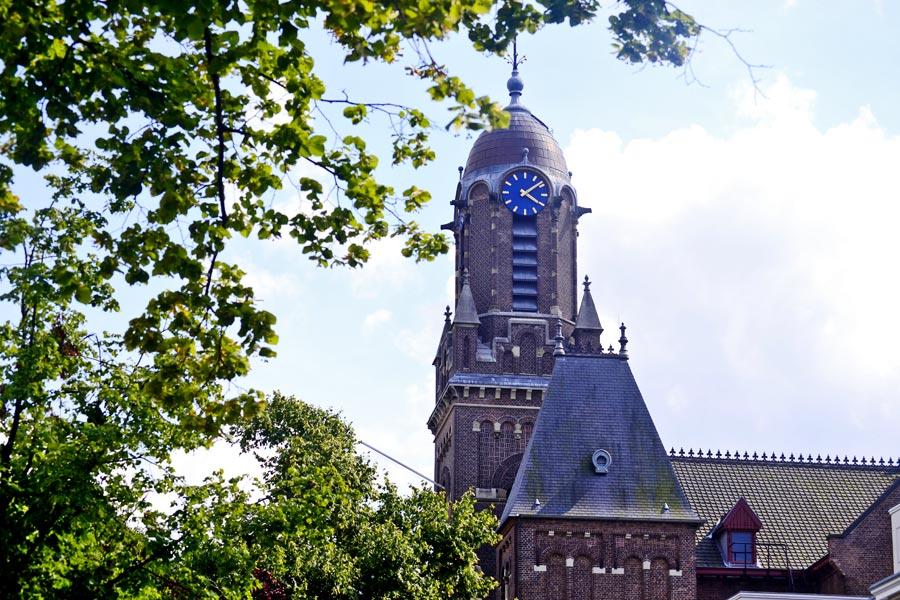 Torre reloj Arminiuskerk Rotterdam