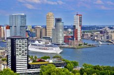 Panorámica barco puerto de Rotterdam