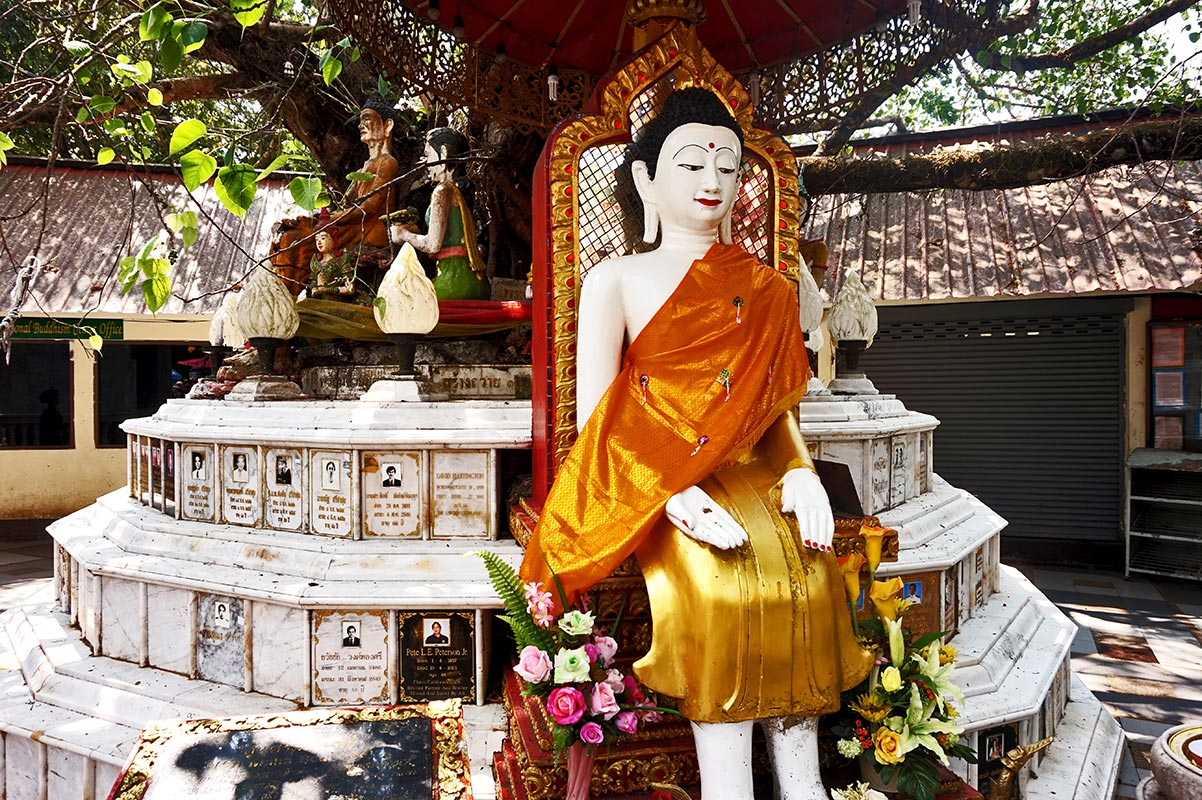 Buda hindú altar Doi Suthep Chiang Mai