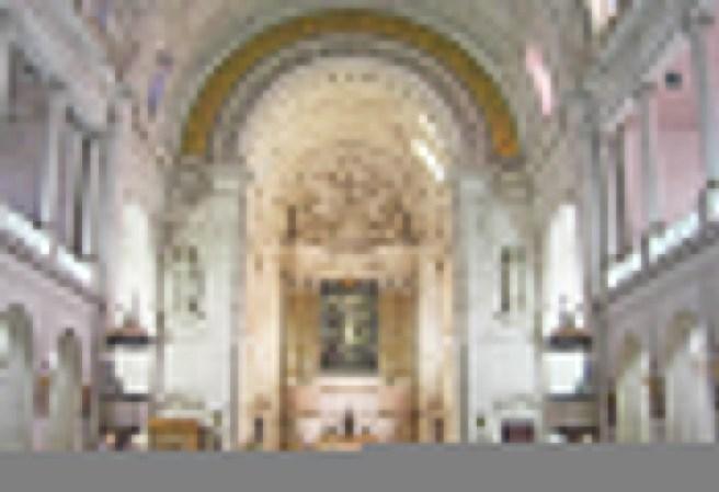 Creyentes decoración interior Santuario Nuestra Señora Fátima