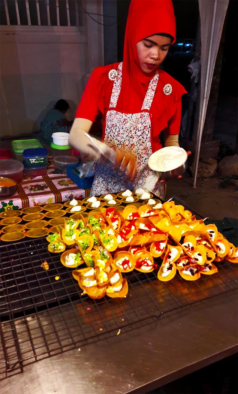 Delicias Malasia saladas puesto callejero Krabi