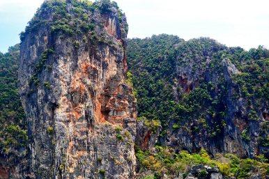 Gran roca caliza vegetación 4 Islands playas Tailandia