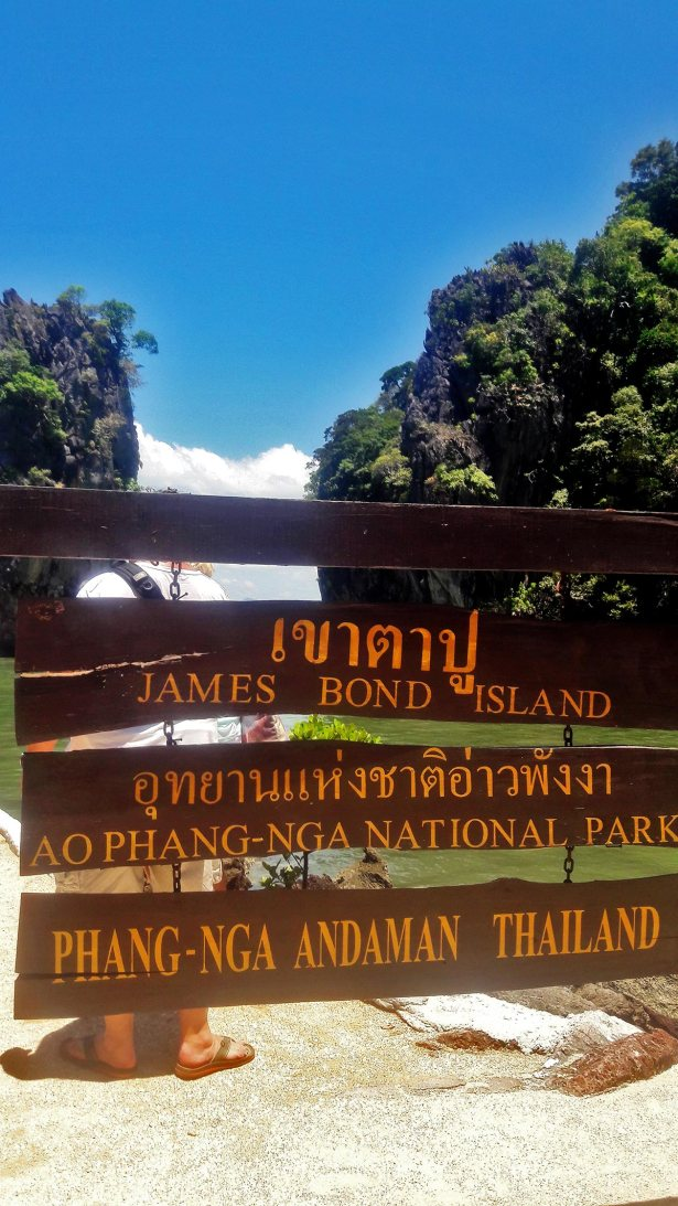 Rótulos madera James Bond Island Phang Nga Adman Tailandia