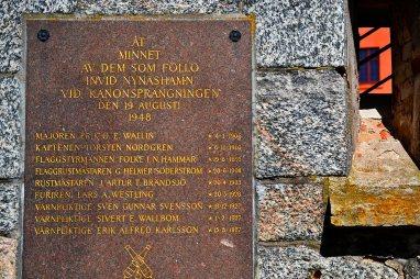 Placa homenaje soldados suecos caídos II Guerra Mundial fortaleza Vaxholm