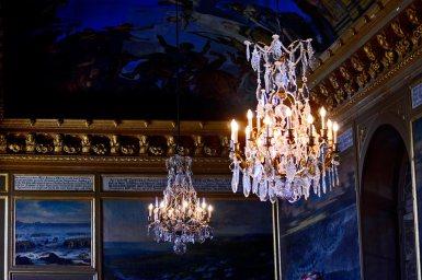 Lámparas diamantes interior salas cuadros palacio Drottningholm Suecia