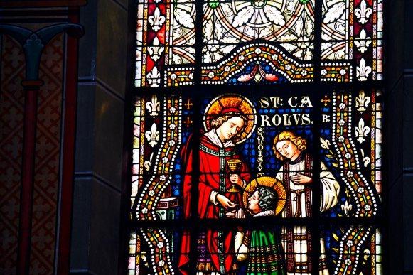 Vidriera comunión detalle color interior antigua abadía Gengenbach Alemania