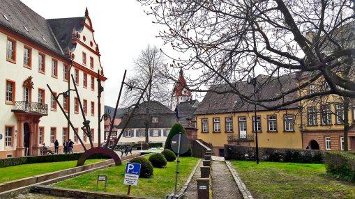 Panorámica plaza principal abadía benedictino Gengenbach