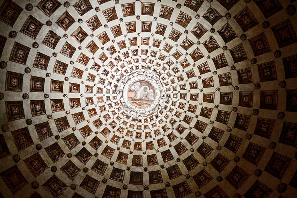 Óculo simetría interior Basílica Santa María la Real Nájera La Rioja
