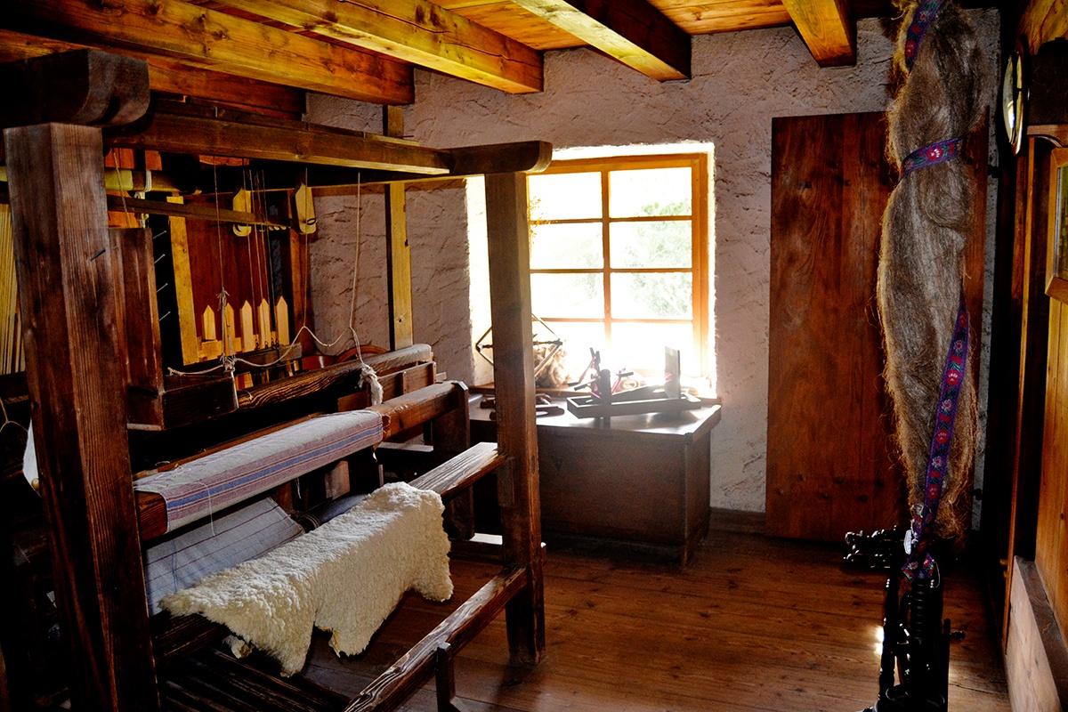 Interior taller aparejos tejido hilatura lana Selva Negra Alemania