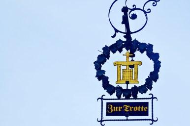 Señal emblema comercial bodega Friburgo de Brisgovia