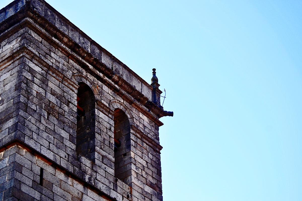 Torre piedra campanario Iglesia La Alberca