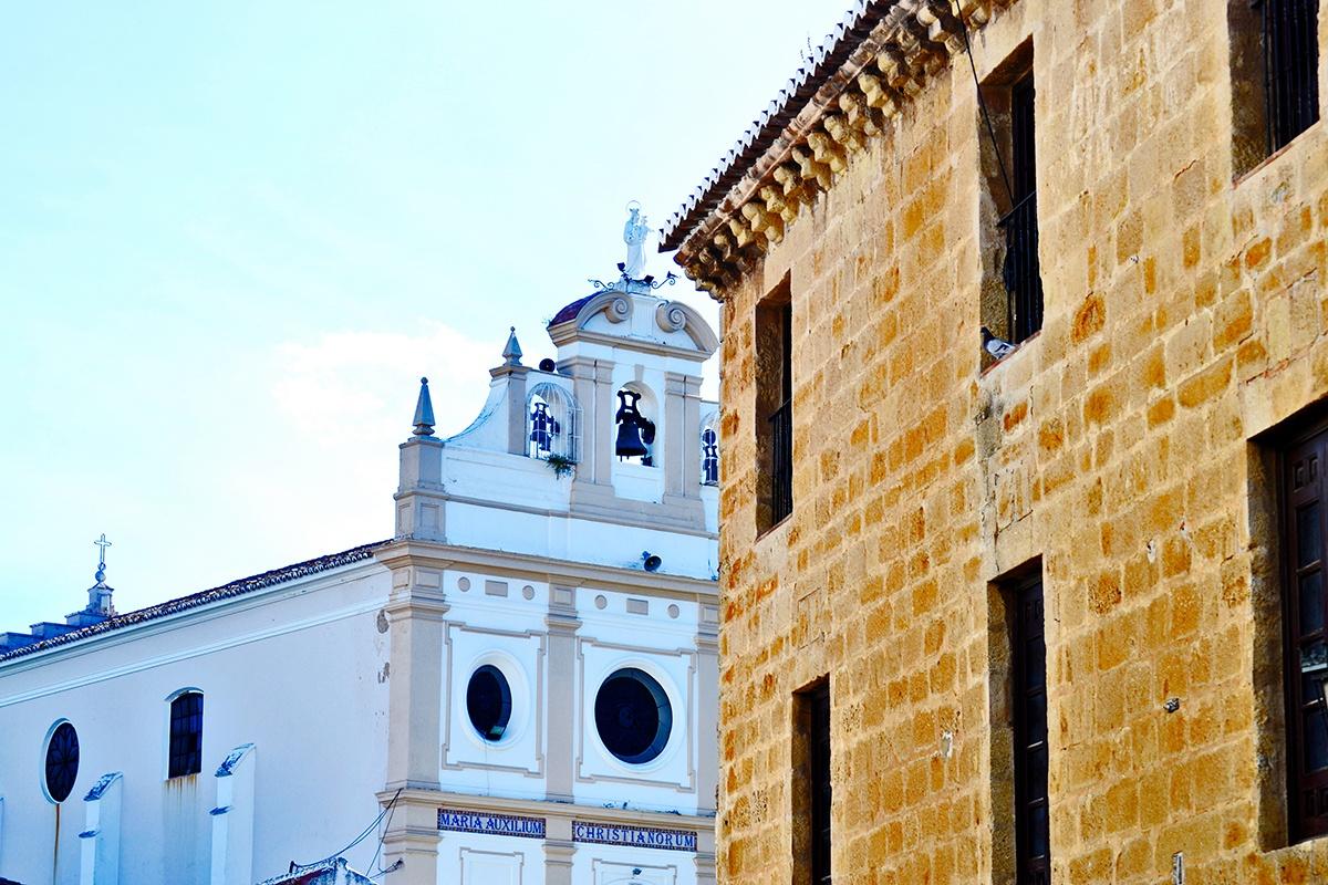 Ángulo fachada iglesia Ronda Málaga