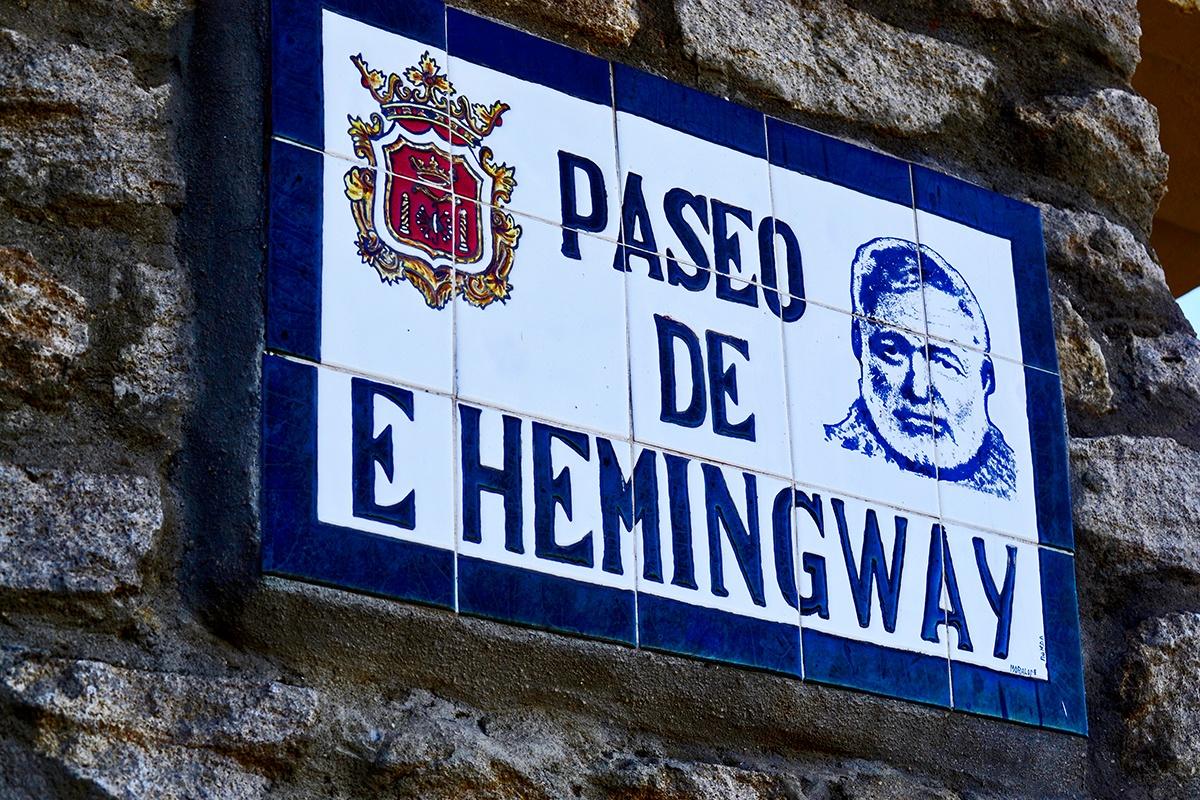 Placa Paseo Ernest Hemingway