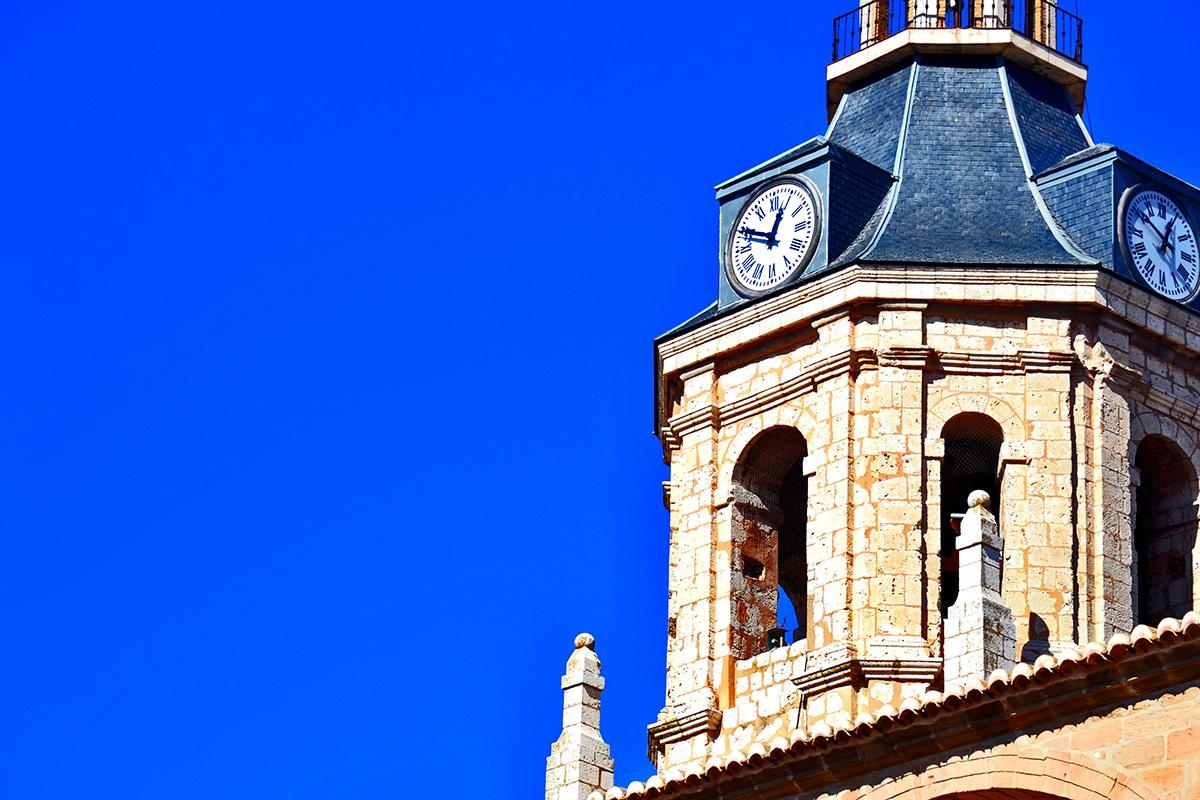 Reloj campanario iglesia Manzanares