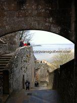 vista de la bahía desde la puerta de acceso a la Abadía