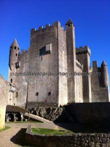 Torre del Homenaje y cuerpo principal de la fortaleza, desde el patio de armas