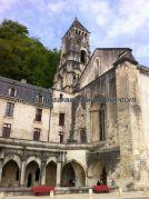 Iglesia de Nôtre Dame, en primer término lo que queda del claustro