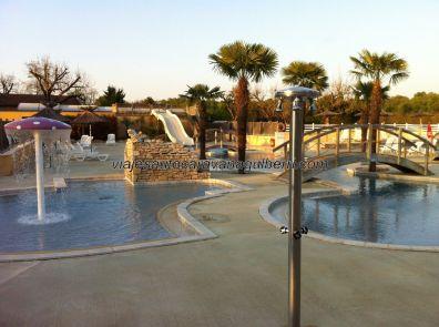 el tiempo es muy bueno, aunque no tanto como para piscina, algo que no importa lo más mínimo a los pequeños