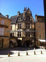 Casa de la Boitie, en la Place de Peyrou, desde la Catedral de Saint Sacerdos