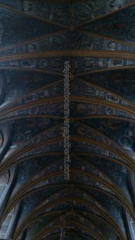 bóveda de crucería profusamente decorada