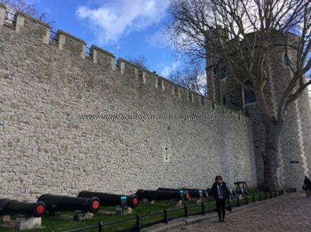 cañones y torre Torre Londres