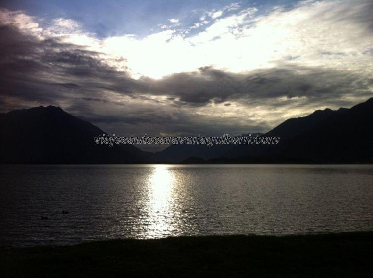 amanece en el Lago Como.....