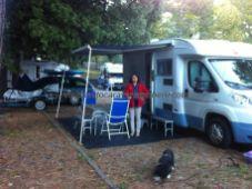 nos instalamos en Siena en un campeggio, ya que la zona de autocaravanas es más bien un párking de paso