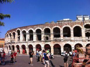 la Arena de Verona, coloso coliseo núcleo artístico veronés