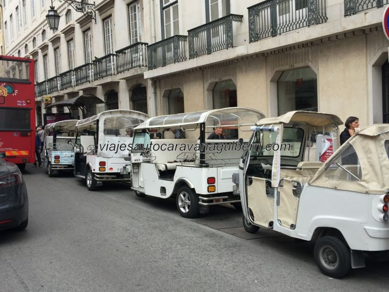 taxi típico motocarro, Lisboa