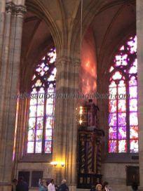 vitrales y boreales reflejos en Catedral San Vito