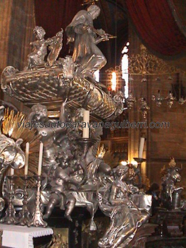 Tumba San Juan Nepomuceno (plata maciza) en Catedral