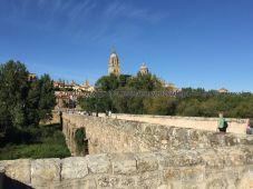 Puente Romano -cuántas veces atravesaría este puente el famoso Lazarillo de Tormes!?-