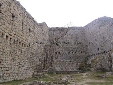 interior devastado fortaleza